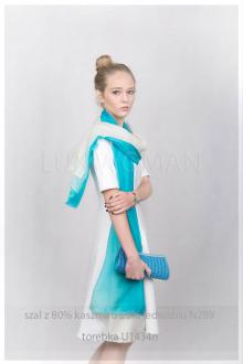 torebka w kolorze niebieskim