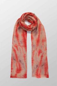 czerwony szal bawelniany