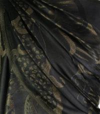 szal jedwabny ze wzorem jamawar w kolorze czarnyym