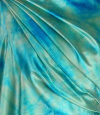 szal-jedwabny-w-kolorze-błękitnym