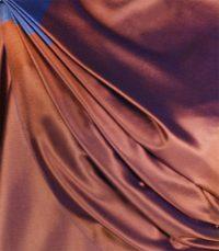 szal-jedwabny-w-kolorze-orzechowym