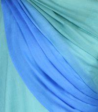 szal welniany w kolorze morskim