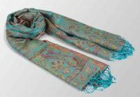 turkusowy szal jedwabny z orientalnym wzorem