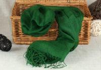 zielony szal z lnu