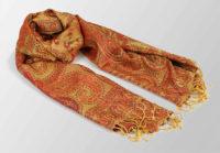 zloty szal jedwabny z orientalnym wzorem